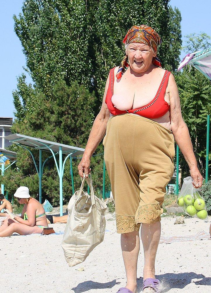 Фото нудистки старушки136