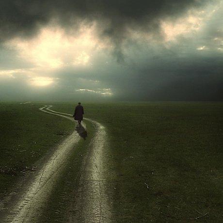 Грусть перед дальней дорогой вполне естественна, даже тогда, когда человек знает, что в конце этой дороги его ждёт