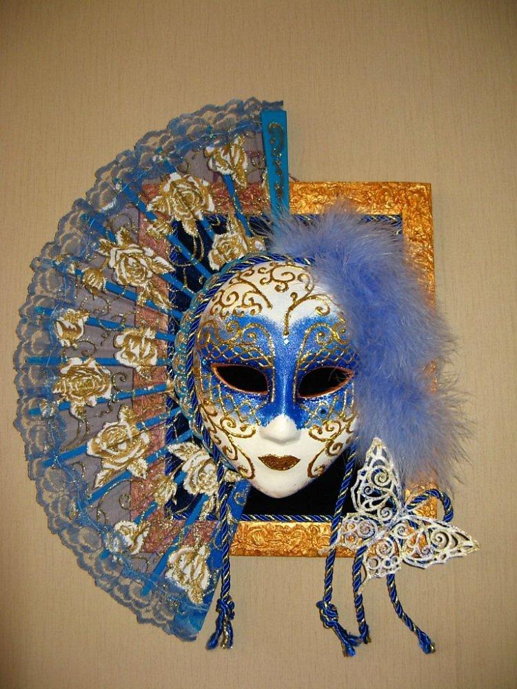 Панно из венецианских масок своими руками