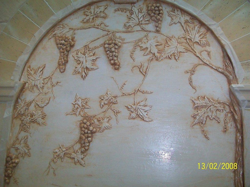 Виноградная лоза барельеф штукатуркой своими руками