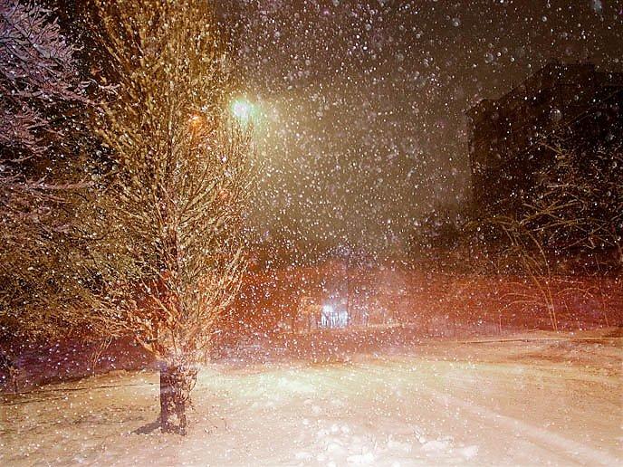 Снег белый