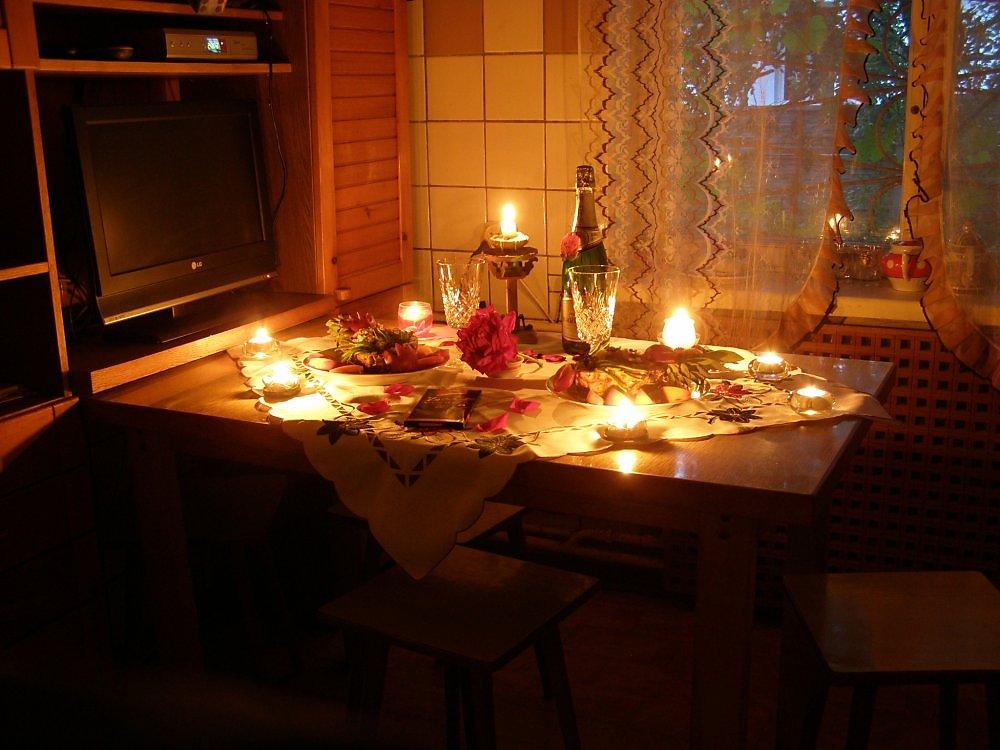 карте выбирайте фото ужина при свечах люди