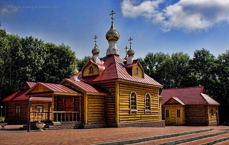 красота макаровского монастыря фото ниже