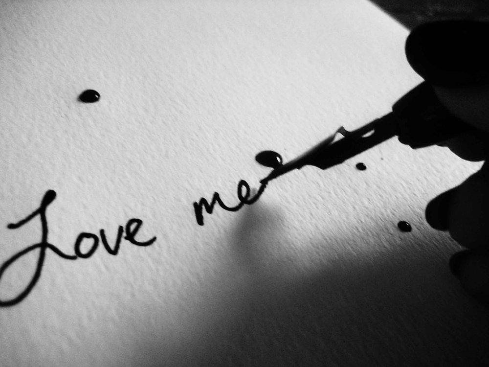 Картинки с надписями про любовь со смыслом на черном
