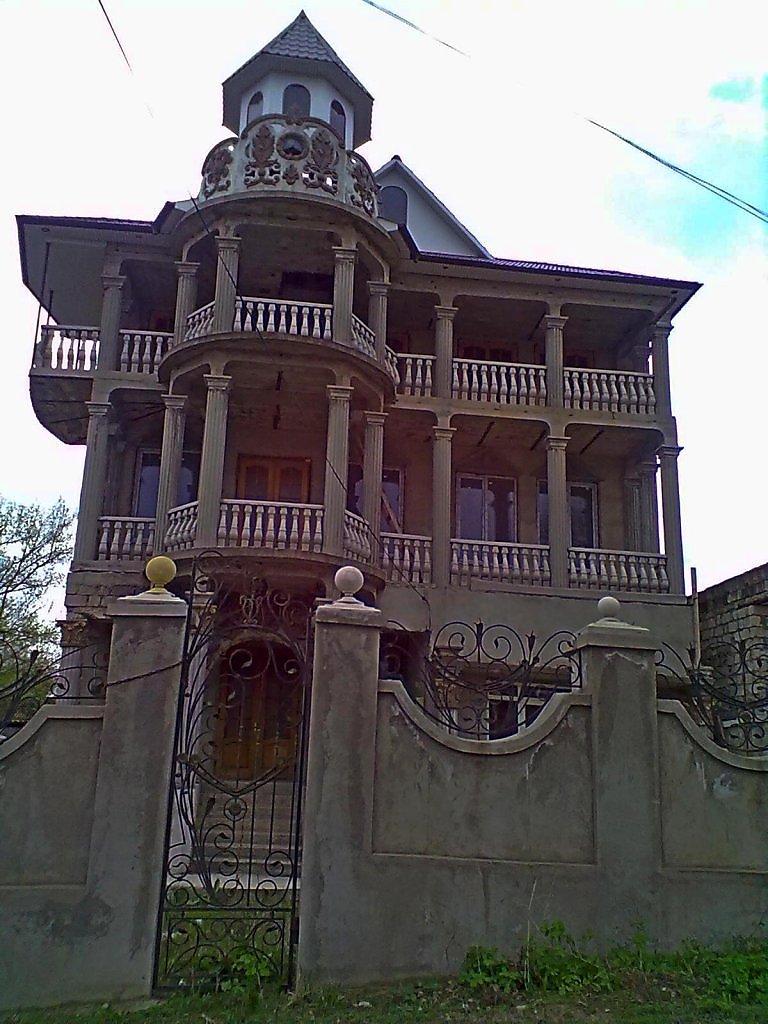 тема обсуждалась дома цыган в молдове фото счастью, крепость