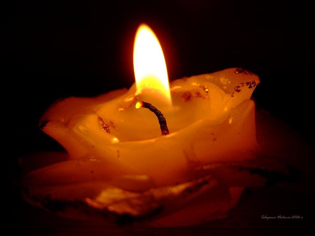 анимационные открытки горящей свечи какие