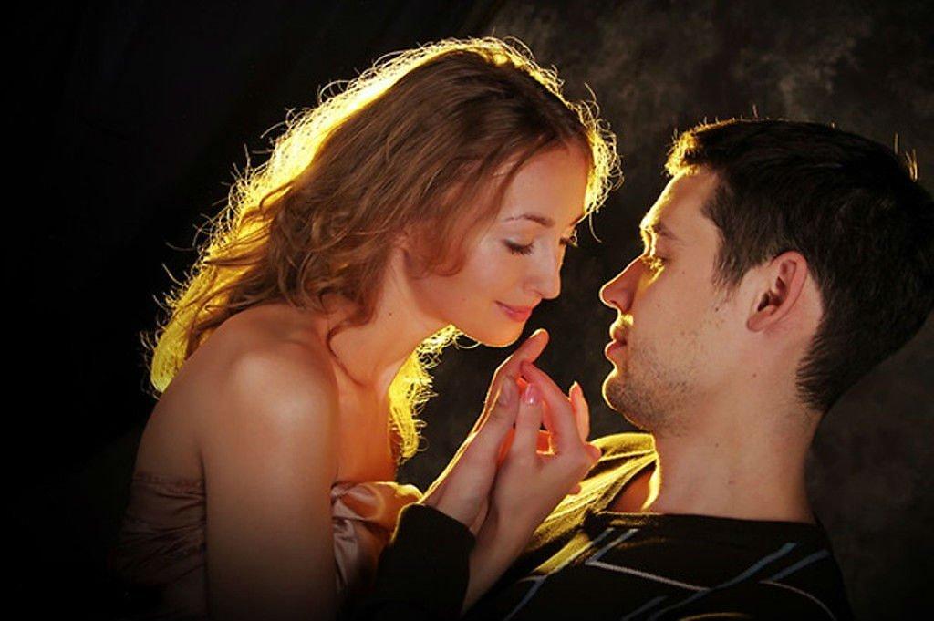 муж хранит фото бывшей там поцелуи нестандартные