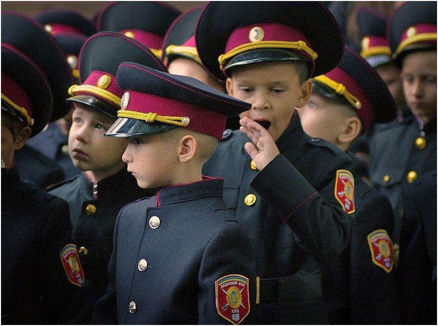 Новому году, кадеты в смешных картинках