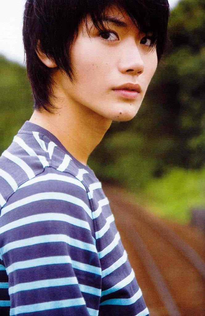 свойства применение фото красивых мужчин японии его концерт